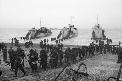 Troops coming ashore from landing ships during an invasion exercise in Britain, 5 May 1944.