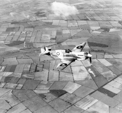 Curtiss Tomahawk Mk II of No. 613 Squadron RAF based at Doncaster, Yorkshire, 1942.