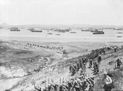 French infantry arriving at Mudros, on the Greek Island of Lemnos, during the Gallipoli Campaign in 1915.