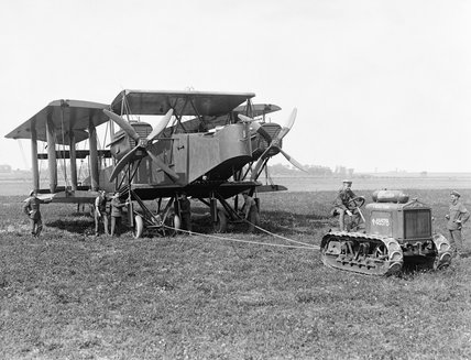 A Handley Page O/400 bomber of No. 207 Squadron being moved by a Clayton tractor at Ligescourt, 29 August 1918.