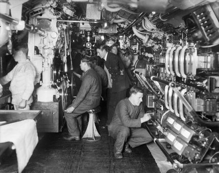 The interior of a British E class submarine during the First World War.