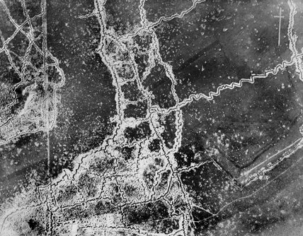Aerial photograph showing the opposing trench systems between Loos and Hulluch in July 1917.