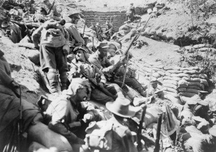 Australian troops wait behind Quinn's Post, Gallipoli, after it was retaken on 29 May 1915.