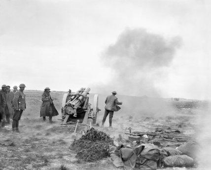 A 60-pounder MK II Gun firing from an open position near La Boisselle, 25 March 1918.