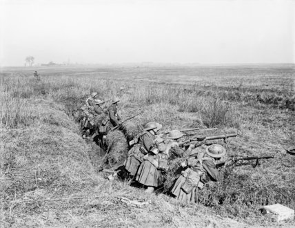 Gordons in support in an old trench near Nesle, 24 March 1918