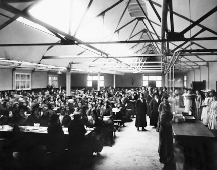 The canteen for female munitions workers at the National Shell Filling Factory at Chilwell, Nottinghamshire, 21 November 1916.
