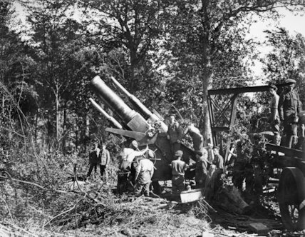 The barrel of a 15 inch howitzer is elevated for firing at the Battle of Albert, 1916.