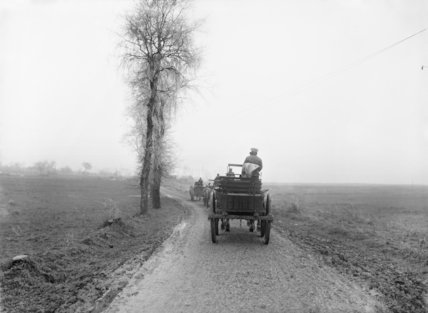 Transport on the road from Auchonvillers to Beaumont Hamel, Somme, November 1916.