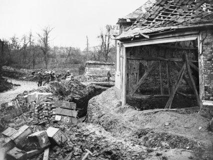 The beginning of a communication trench outside the Cafe du Centre, Hamel, 22 November 1916.