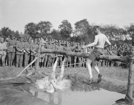 A pillow fight at the Guards Division Sports Day at Bavincourt, 30 June 1918.