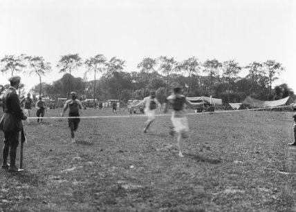 Finish of the Gas Mask Race. No. 1 Aircraft Depot and No. 4 Aeroplane Supply Depot Sports at Guines, 4th August 1918.
