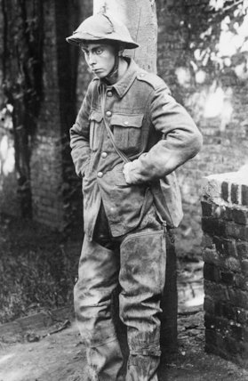 A shell-shocked British soldier captured by the Germans.