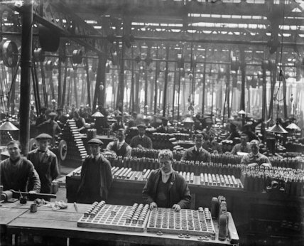 Workshop used for the manufacture of shells at a factory operated by Sir Robert Hadfield Ltd in Sheffield.
