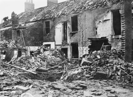 Damage to buildings in Albert Street, King's Lynn caused by the first airship raid on 19-20 January 1915.