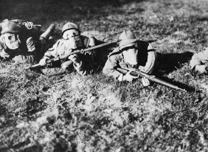 Italian 'Arditi' or 'Shock' troops wearing gas masks, First World War.