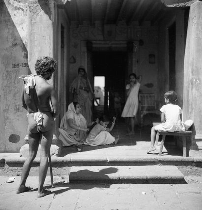 Daily life in Walkeshwar, a village in the Malabar Hill district of Bombay, India, 1944.