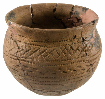 Bronze Age ceramic vessel
