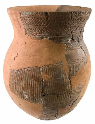 Bronze Age ceramic urn