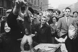 Performing animals in Petticoat Lane: 1952