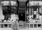 Suffragette W.S.P.U. shop window display: 1909