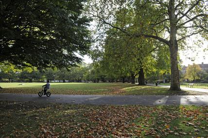 Kennington Park; 2009