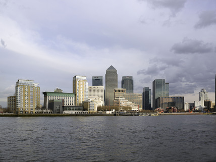 View across the River Thames of Canary Wharf: 2009
