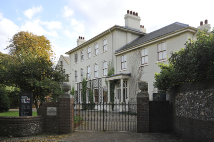Downe House; 2009