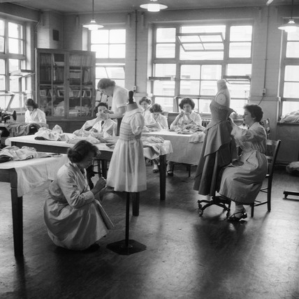 Dressmaking students in Shoreditch College: 1958