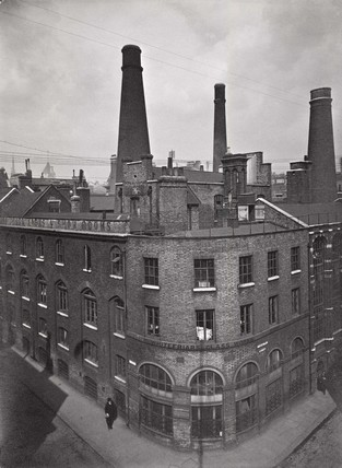 Old Whitefriars Glasshouse: c.1923