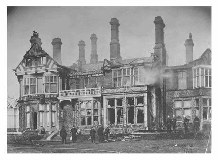 The burnt house of Mr Arthur du Cros MP: 1913
