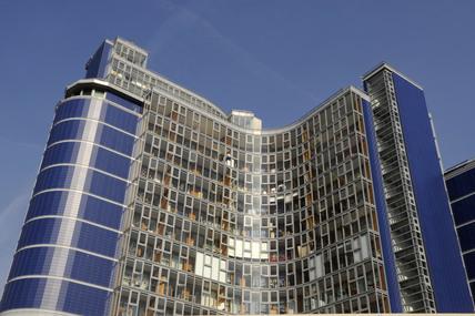 Modern Flats in Battersea; 2009