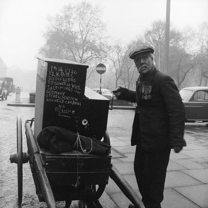 Organ Grinder Thomas Walker aged 75: 1958