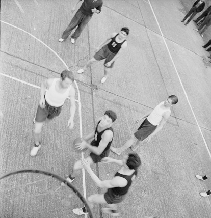 Basketball at the Polish Tech College: 1951