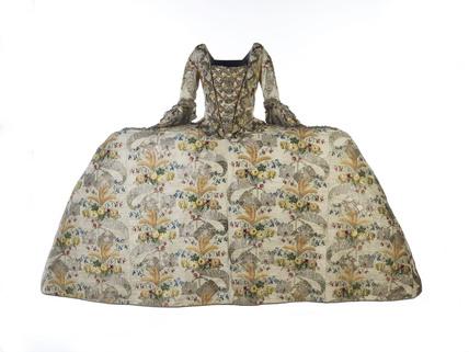 Court dress worn by Mrs. Ann Fanshawe: 18th century