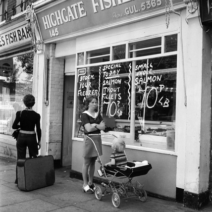 A fishmongers in Highgate: 1973