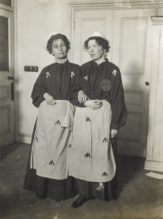 Emmeline and Christabel Pankhurst c.1909
