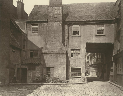 Queen's Head Inn yard: 1881