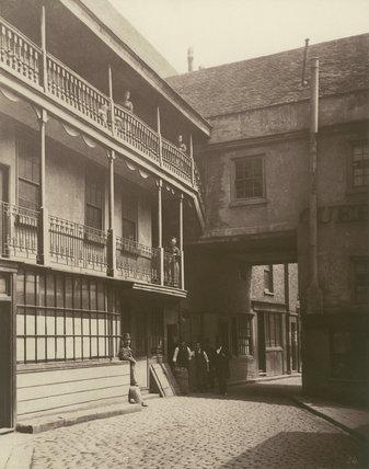 Queen's Head Inn yard: 1881