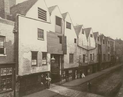Old houses in Bermondsey Street: 1881