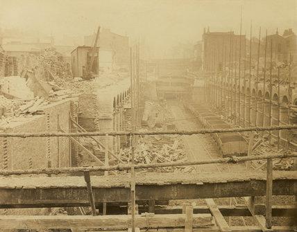 The construction of the Metropolitan District Railway; 1866