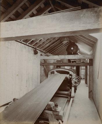Endless band conveyor: c.1920