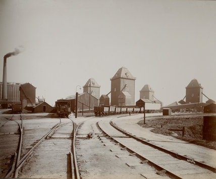 A, B, C and D silos and the PLA railway: c.1920