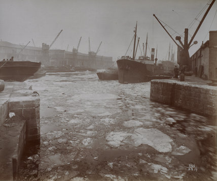 London Dock, frozen over: 1917