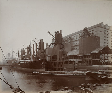 Millwall Dock Central Granary: c.1920