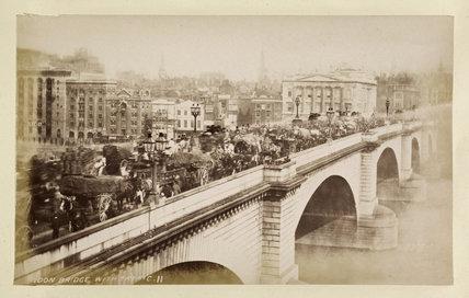 London Bridge with traffic: c.1880