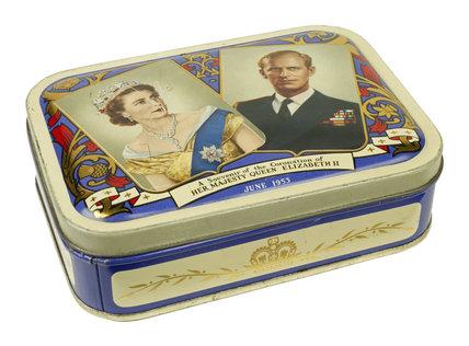 Commemorative confectionery tin: 1953