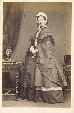 Lady Millais carte-de-visite: 1861