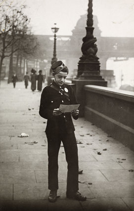 District messenger boy; 1910