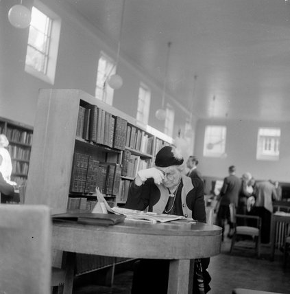 Hendon Library: 1954