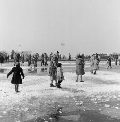 Ice on Hampstead Heath, 1954